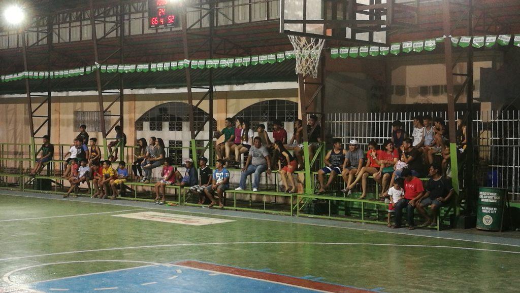試合 観客