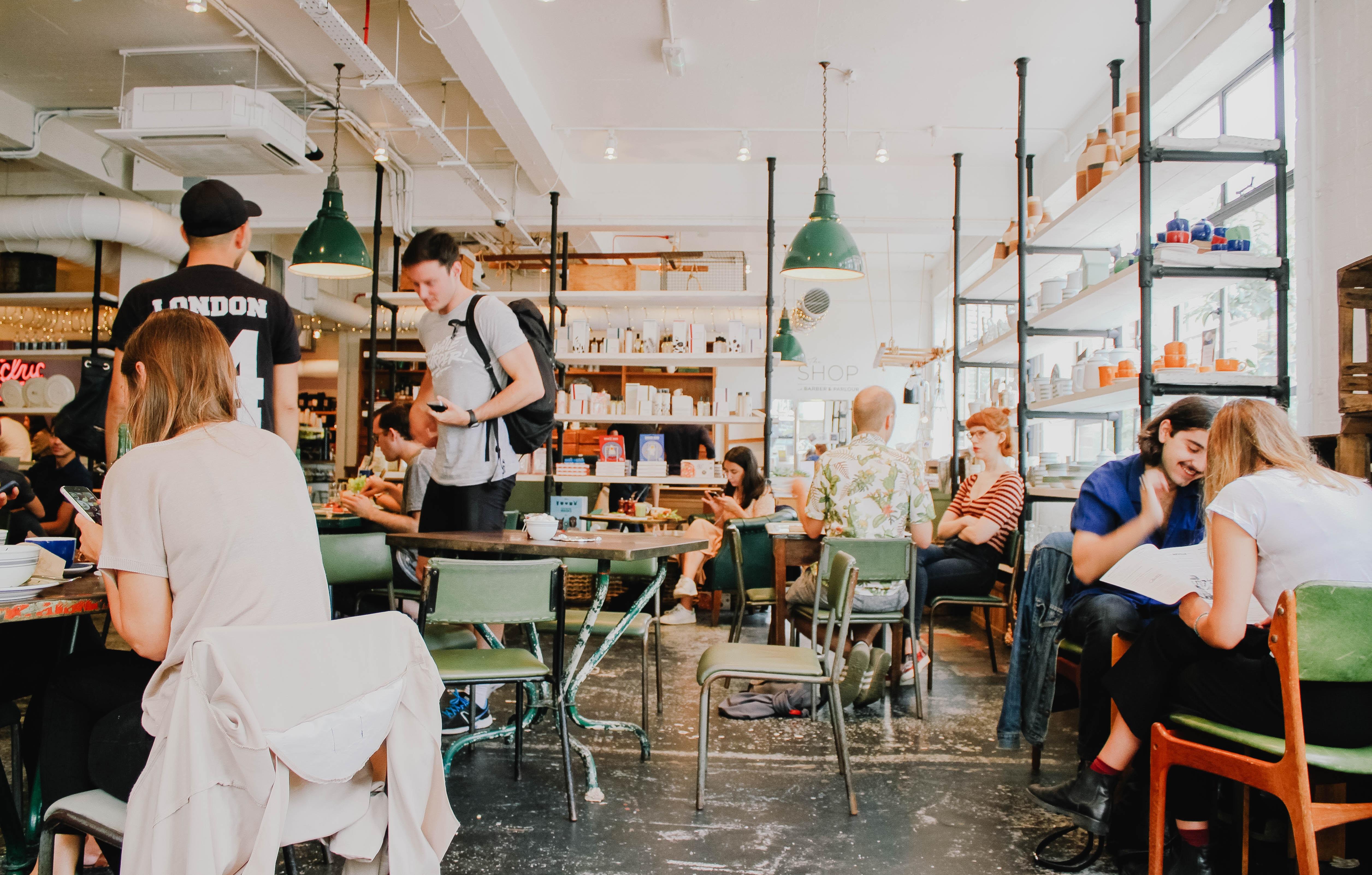 カフェ レストラン