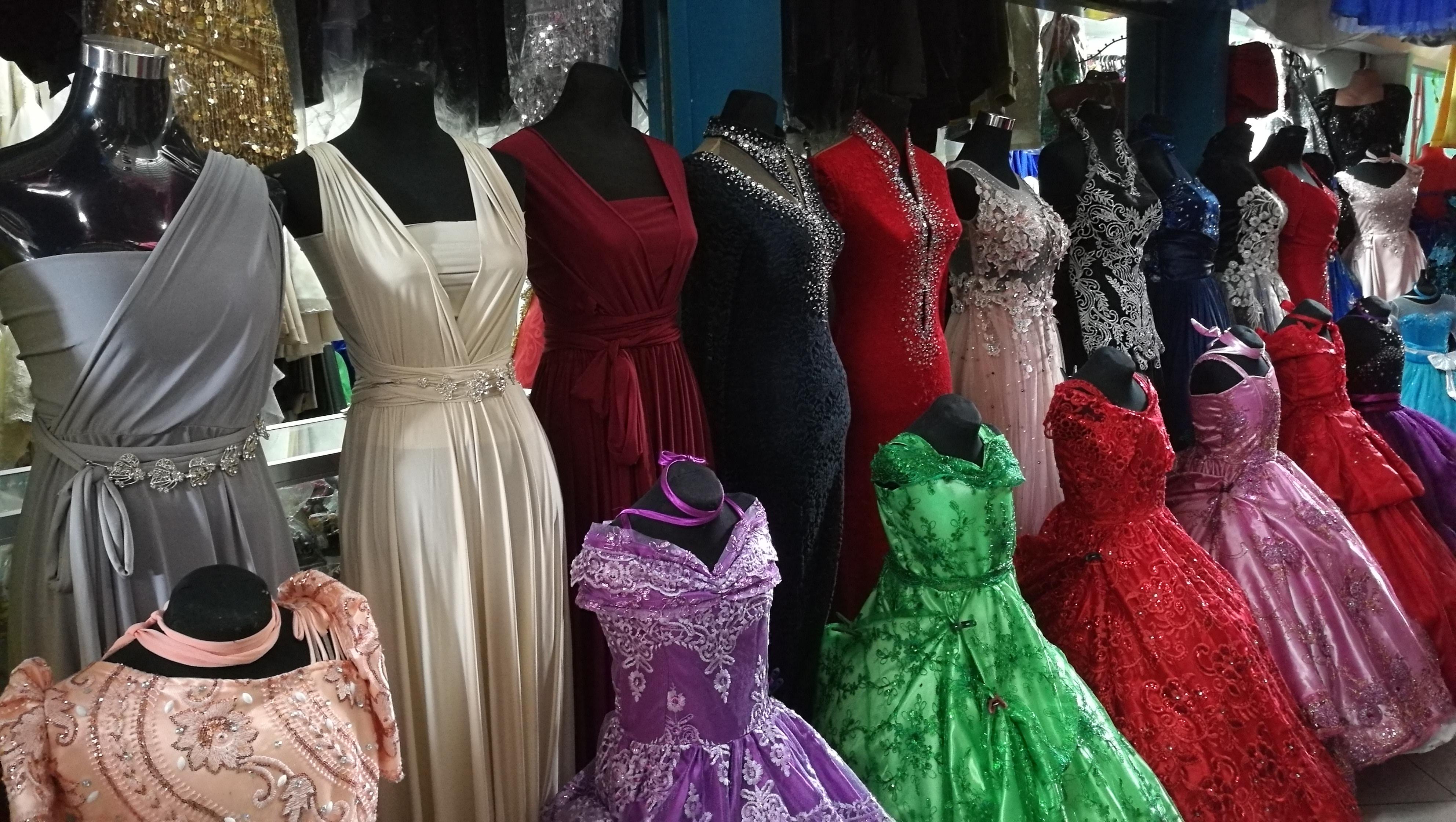 ドレス 店