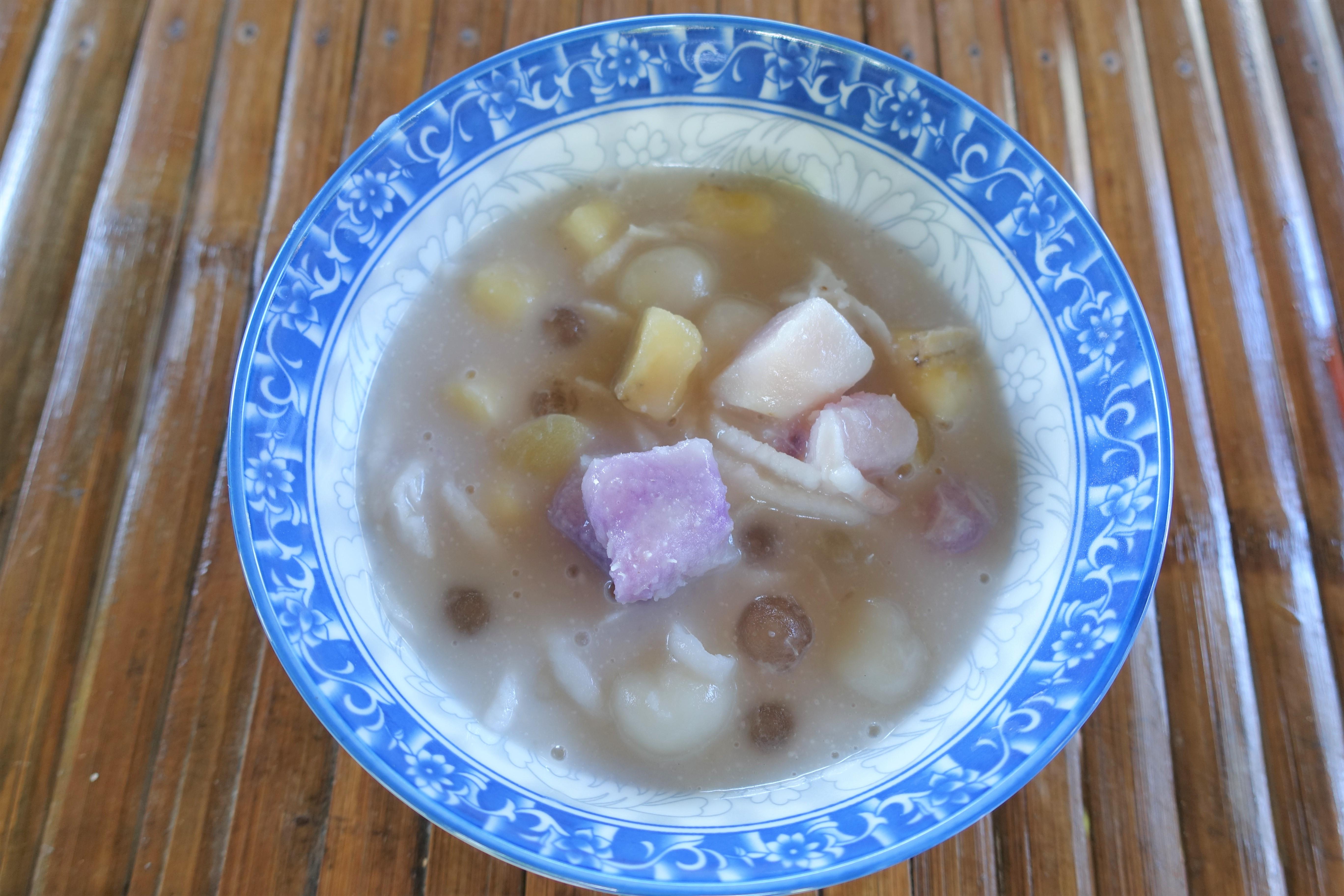 ギナタアンビロビロ フィリピン料理